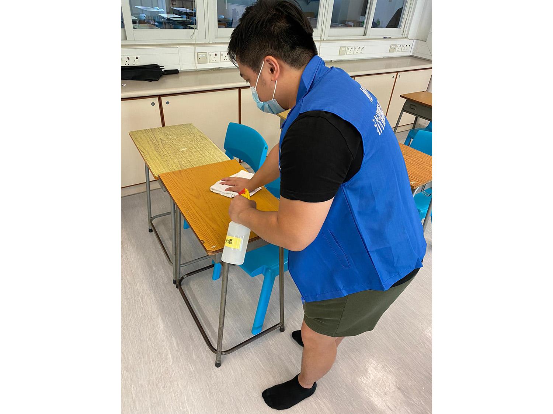 中學清潔、消毒、洗地打蠟1